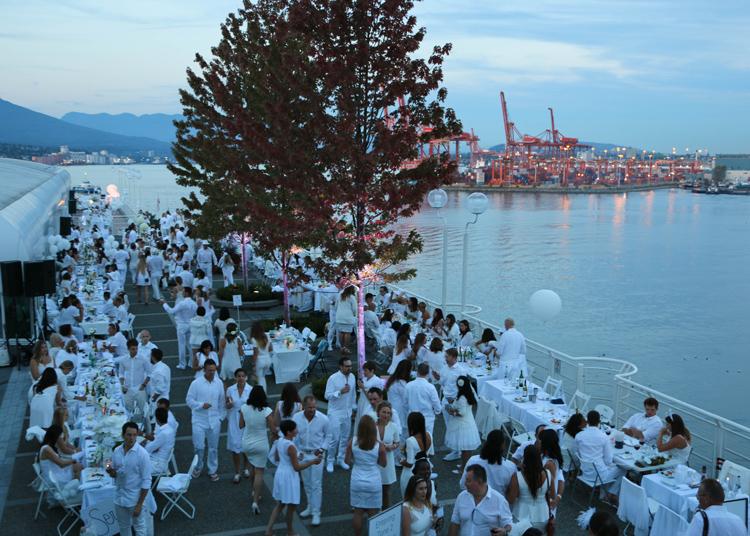 Vancouver Diner en Blanc